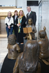 From left, sculptor Marilyn Thrall, Mary Pat Soucy, CEA President Sheila Cohen, CEA Vice President Jeff Leake.