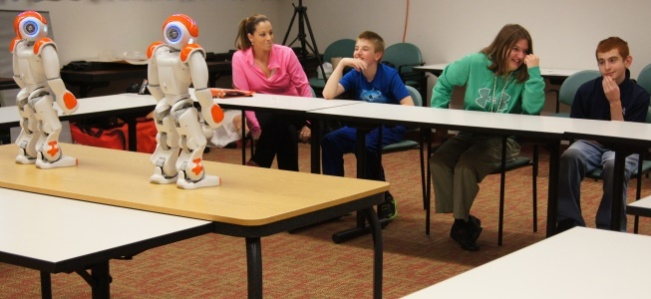 Students with autism learn with robots