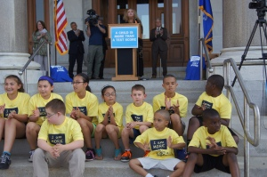 At a rally at the State Capitol, CEA President Sheila Cohen told teachers, principals, students and the public that
