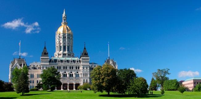 iStock-Hartford-Capitol-Summer thin